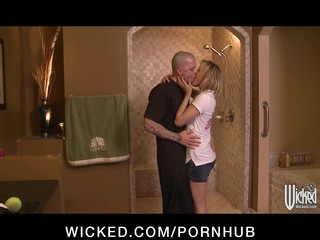 Horny flexible blonde slut sucks & fucks hard-dick in the shower