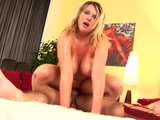 Curvy Kelly is one sexy babe - Trion Media
