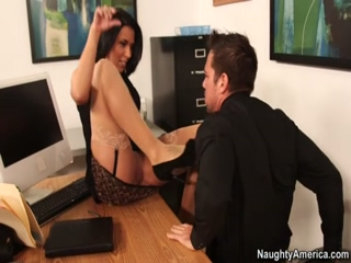 Busty Boss Rachel Starr Has Hardcore Sex With Her Assistant