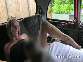 Blonde amateur wanks and fucks in cab