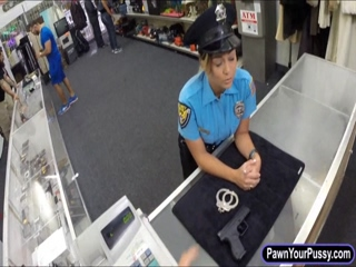 Latin security officer pawns her pussy