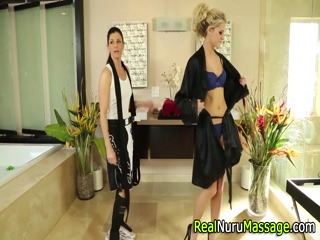 Lesbo masseuse fingers