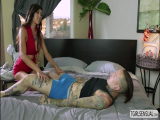 Ts Venus gives dude a nasty anal fuck