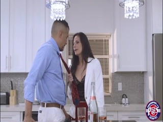 Real estate agent Alexis Dean allows her client to cum inside her