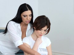 Kyra Queen And Veronica Moore In Lesbian Scene By Sapphic