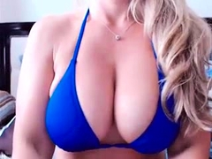 Amateur Ginna X Flashing Boobs On Live Webcam