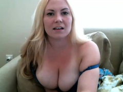 Amateur Michellboobsx Flashing Boobs On Live Webcam