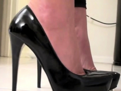 Beautiful Cutie Plays With Serf On Leash