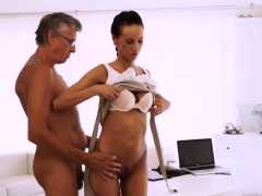 Mom And Compeer's Playfellow Share Bed Pussy Tits Oiled