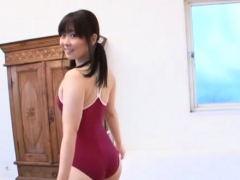 Dazzling Japanese Beauty Miori Hara Exposes Her Curves