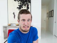Stepsiblings Take Turns Gobbling Stepbros Man Meat