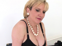 Unfaithful British Milf Lady Sonia Exposes Her Gigant18wbh