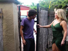 Curvy Mature Milf Carmen Valentina Shows A Younger Guy The