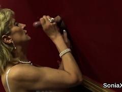 Unfaithful British Mature Lady Sonia Reveals Her Giga88gvs