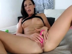 Brunette Bigboob Fuck Herself With Toys On Webcam